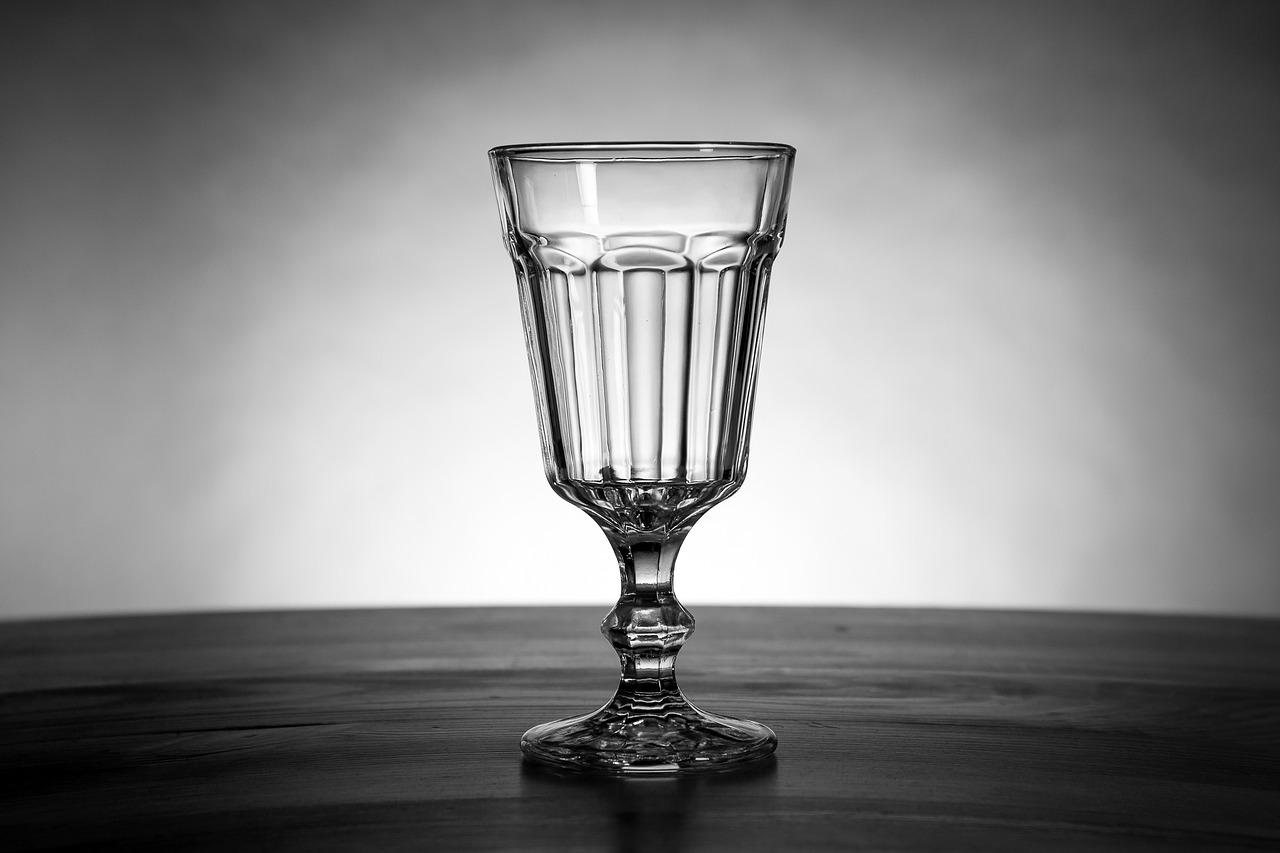 glass-2160515_1280